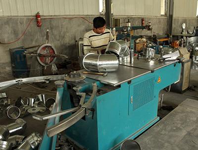 通风管道厂家——通风管道能营造焊接车间的良好坏境